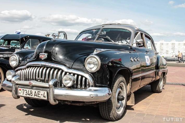 Retroparad-v-sedmoj-raz-sobral-lyubitelej-avtomobilnoj-klassiki-v-Minske-100-foto