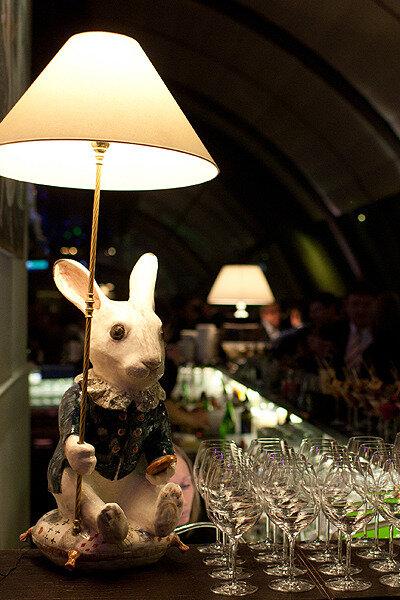 """03.02.2012. Благотворительный аукцион в пользу фонда помощи хосписам """"Вера"""" в ресторане White Rabbit."""