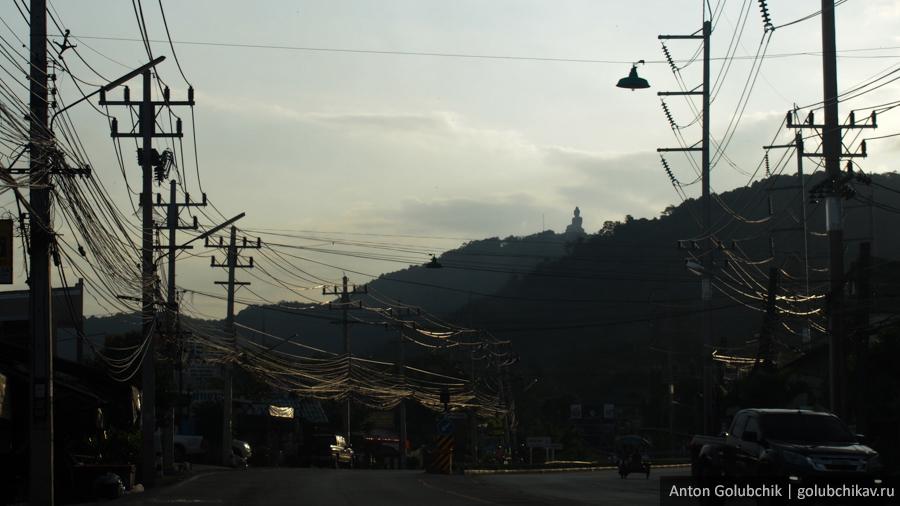 Пхукет-Таун. Большой Будда. Тайланд.