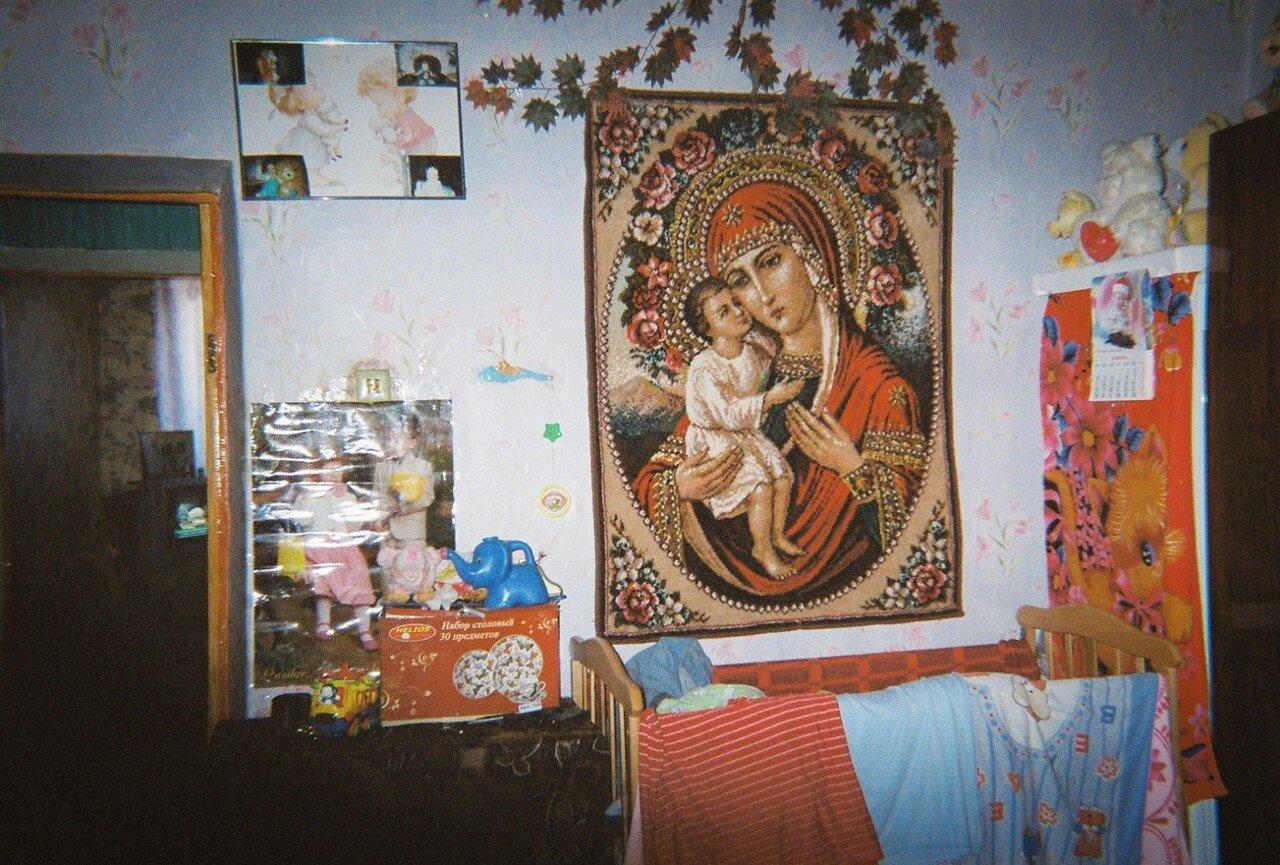 Гобелен-оберег на стене детской спальни