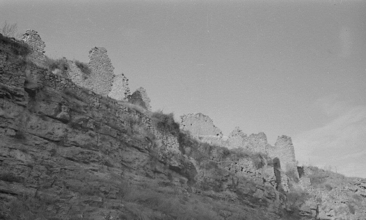Руины на скале