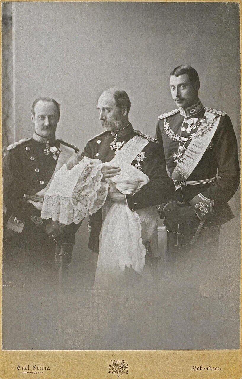 Портрет кронпринцев с цесаревичем Алексеем Николаевичем. 1904