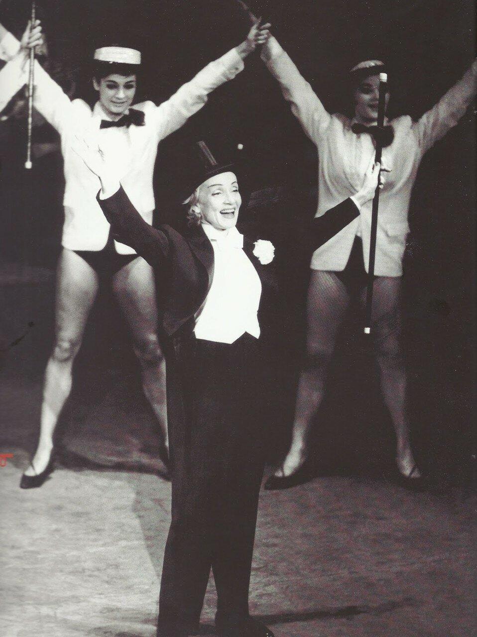 1959. Марлен Дитрих в Театре Этуаль