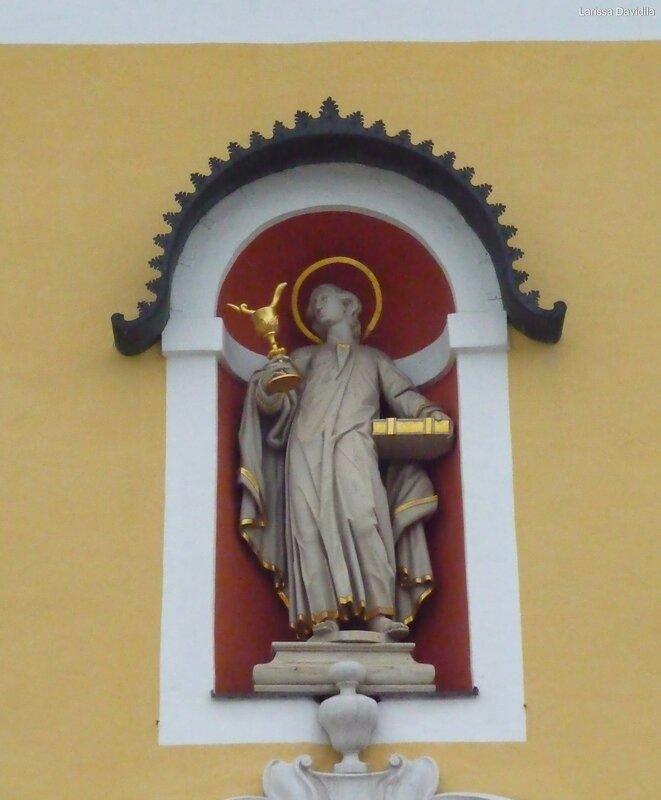 Фасад церкви.