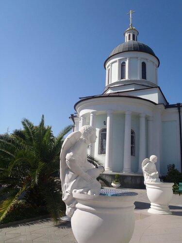 Главный храм Сочи.