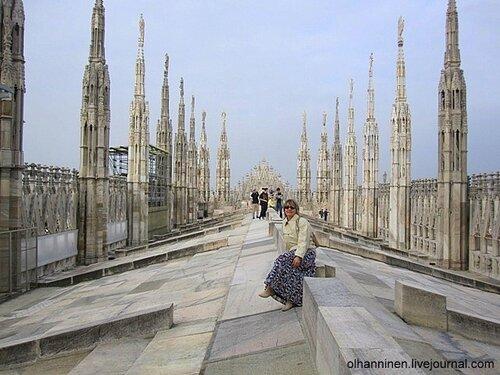 на крыше Миланского собора