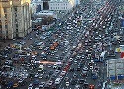 Гигантская пробка в мегаполисе