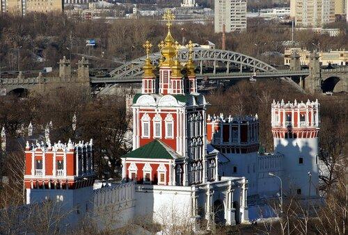 Вход в Новодевичий монастырь