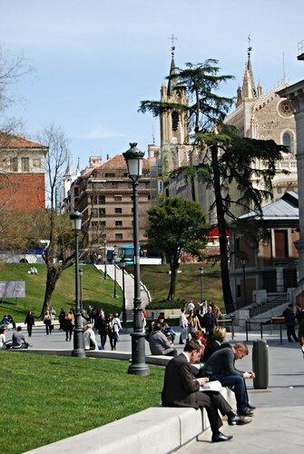 Церковь Святого Иеронима у музея Прадо в Мадриде