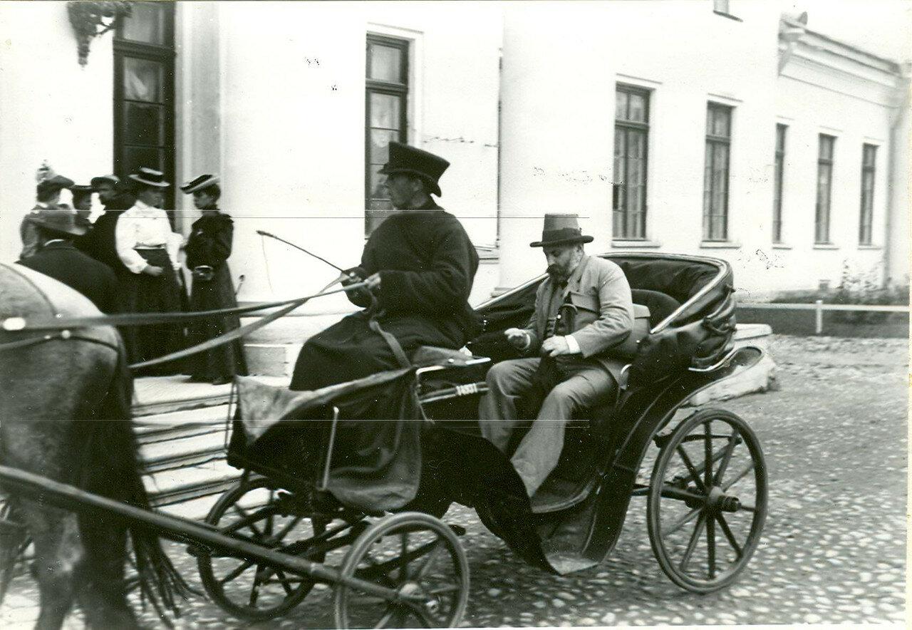 Группа депутатов Первой Государственной думы у Таврического дворца после роспуска думы