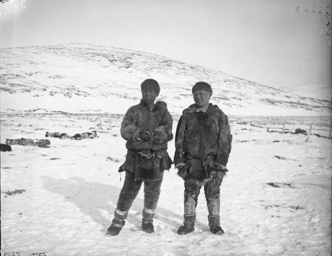 Чукотские подростки, Сибирь, 1901