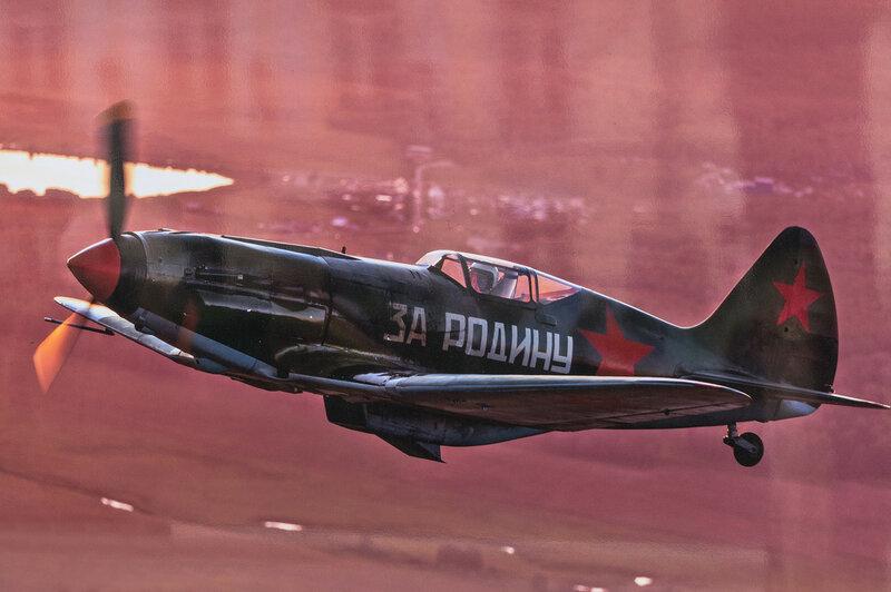 Фотовыставка «Крылья Победы» на Тверском бульваре