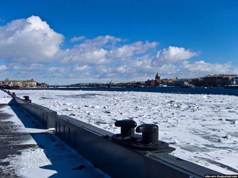 Подводная лодка С-189. Снова Нева и Исаакиевский собор.