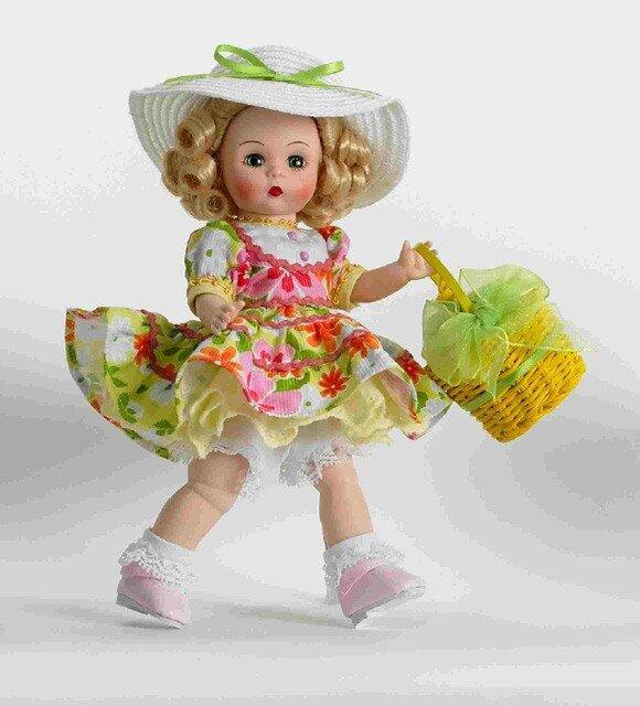 """Кукла """"Весенняя корзинка"""" Тончайшая проработка черт лица. Кукла 20 см. Выполнена из высококачественного винила. Украшена лентами"""