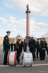 Отдыхающие ударники (барабан, военный, Дворцовая площадь, оркестр)
