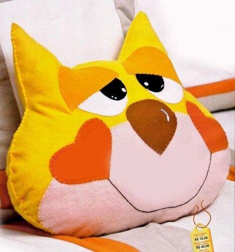 выкройки подушек и ковриком для детской комнаты.