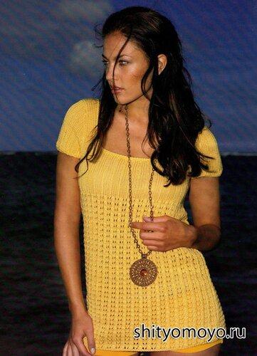 Бесплатные модели вязания спицами: желтая туника с коротким рукавом