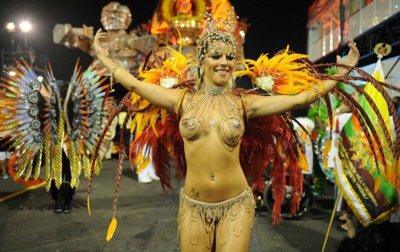 brazilskiy-karnaval-video-skritaya-kamera