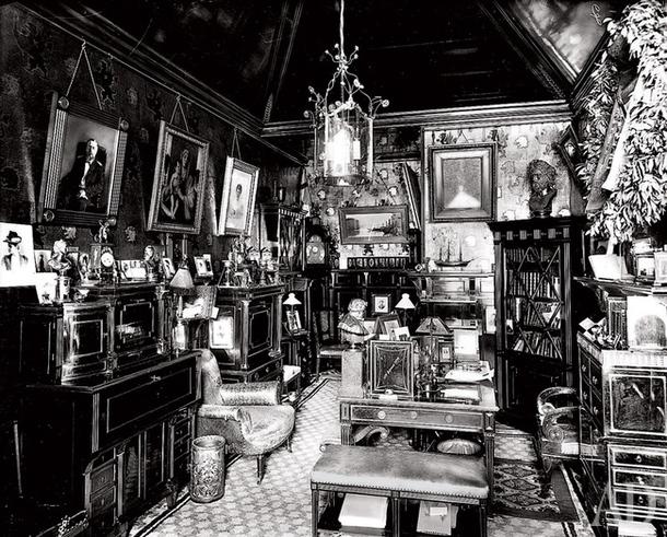 Так выглядел рабочий кабинет К.Р. в 1903 году.