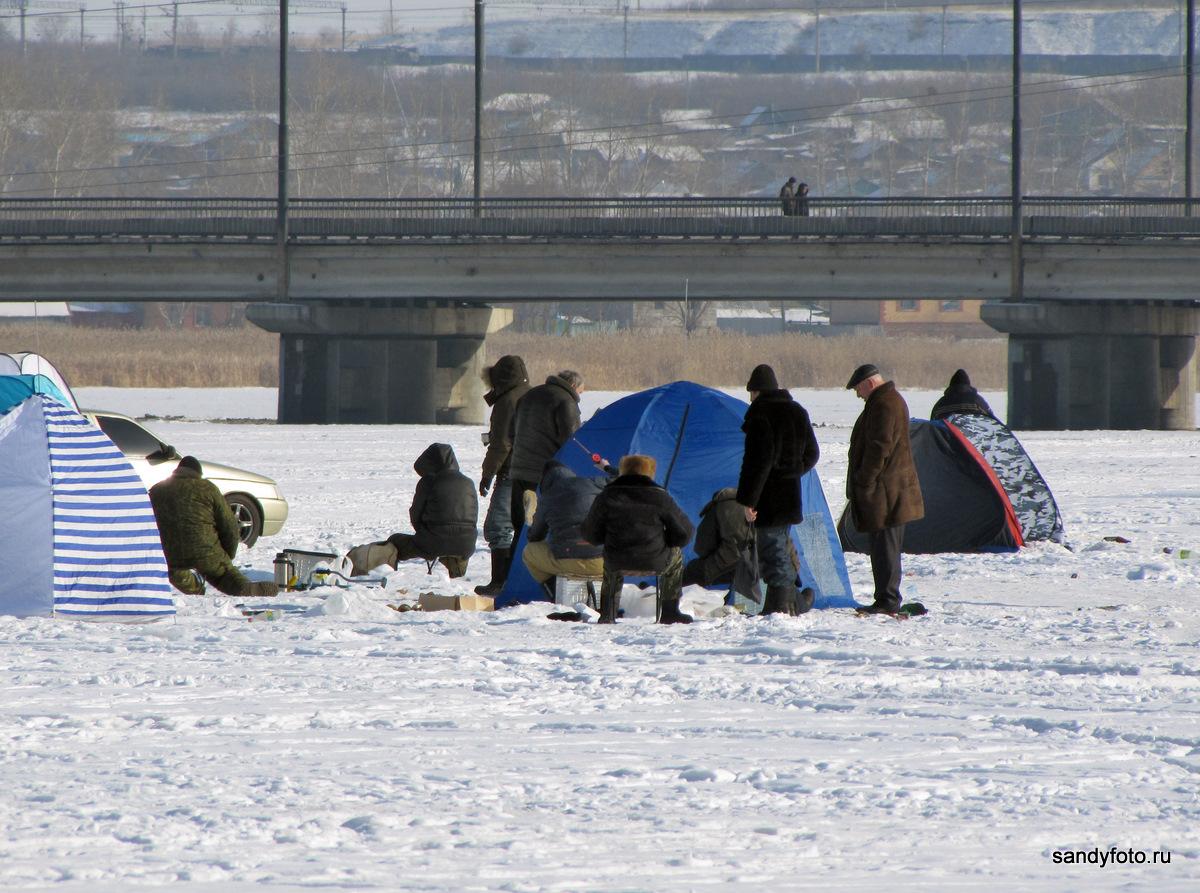 Рыбаки на реке (Троицк, Челябинская область)