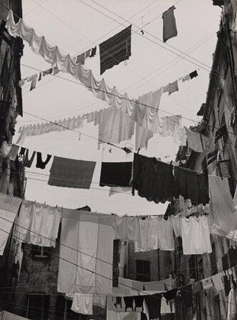 Laundry in Naples, Naples, 1938