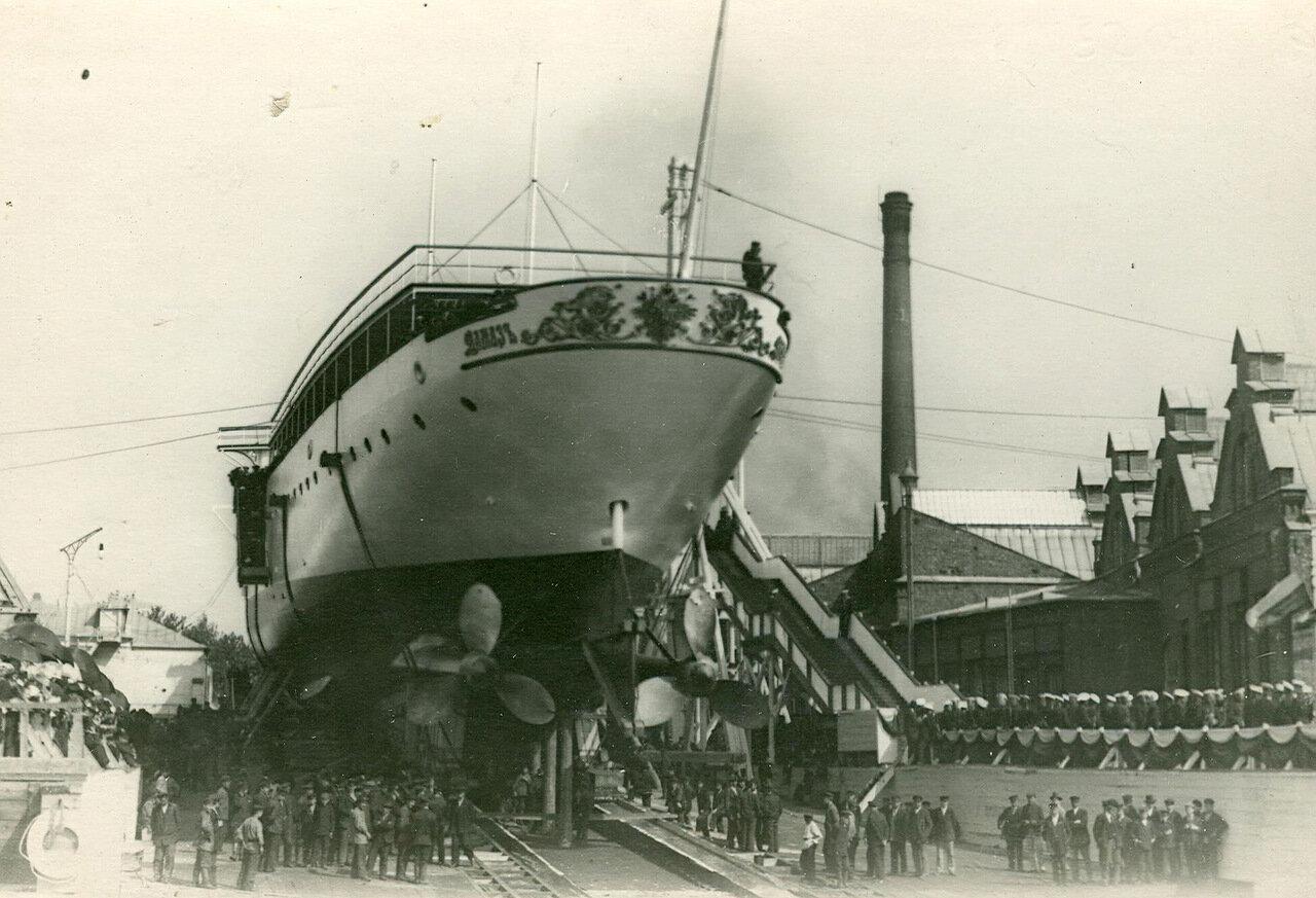 04. Спуск крейсера второго ранга «Алмаз» на воду. 2 июня 1903 года