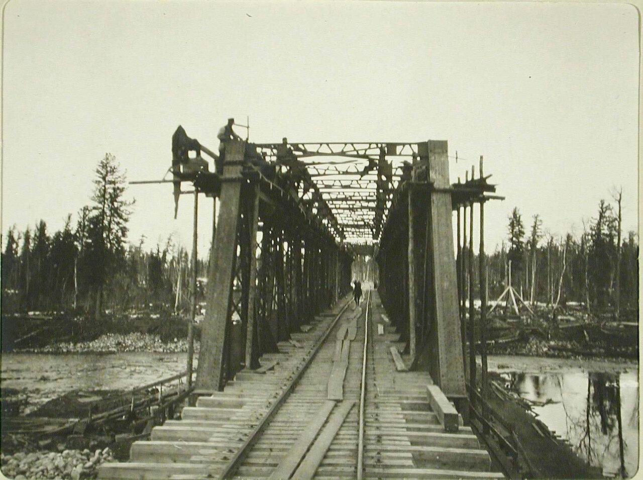 13. Вид железнодорожного моста вблизи станции Култук