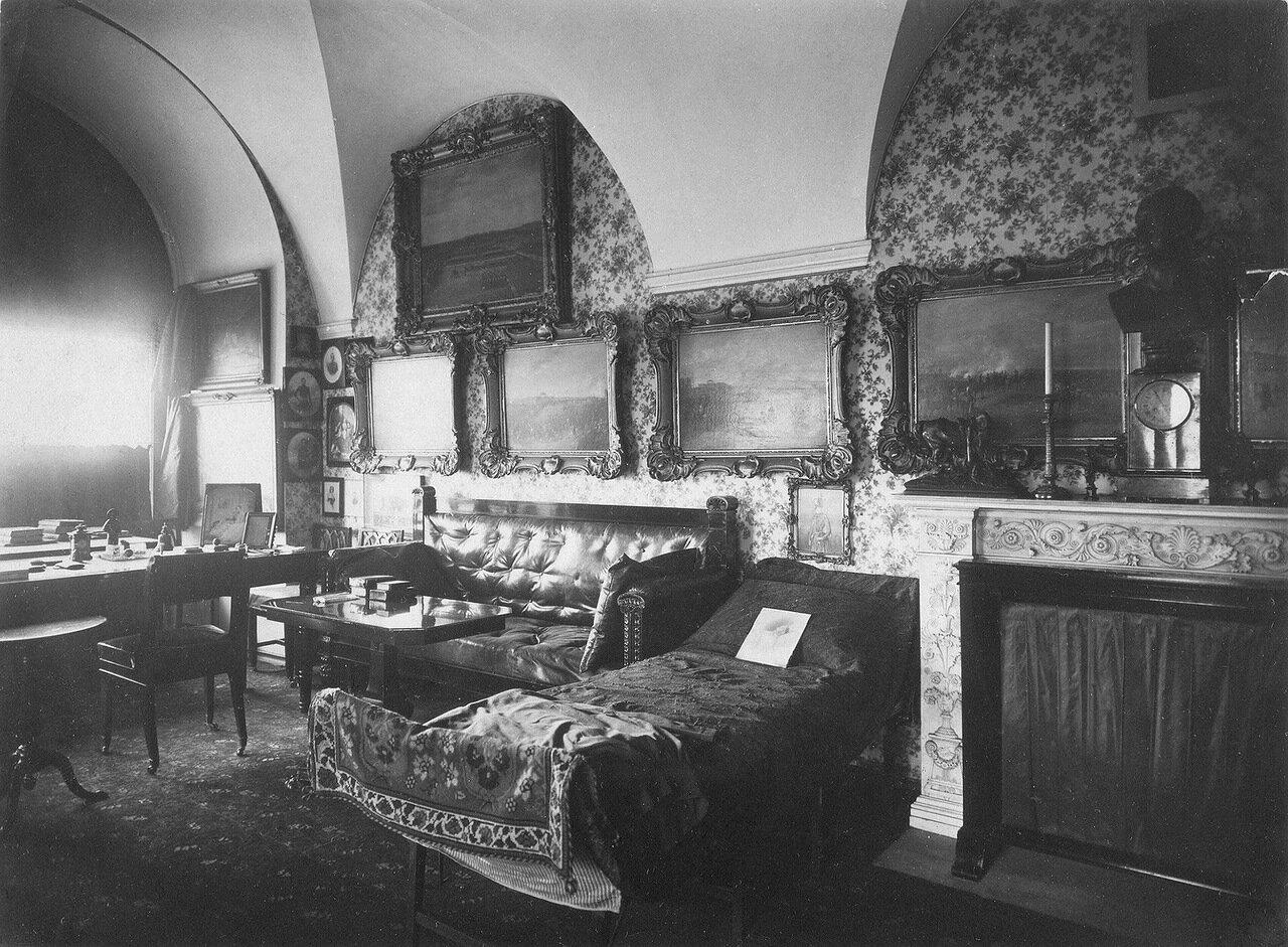 Кабинет императора Николая I в Зимнем дворце