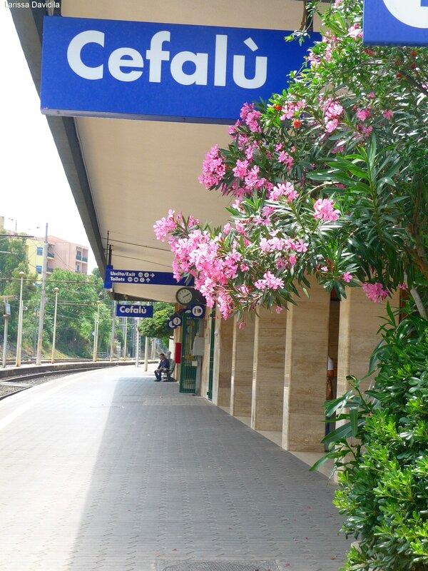 Сицилия. Чефалу. Вокзал.