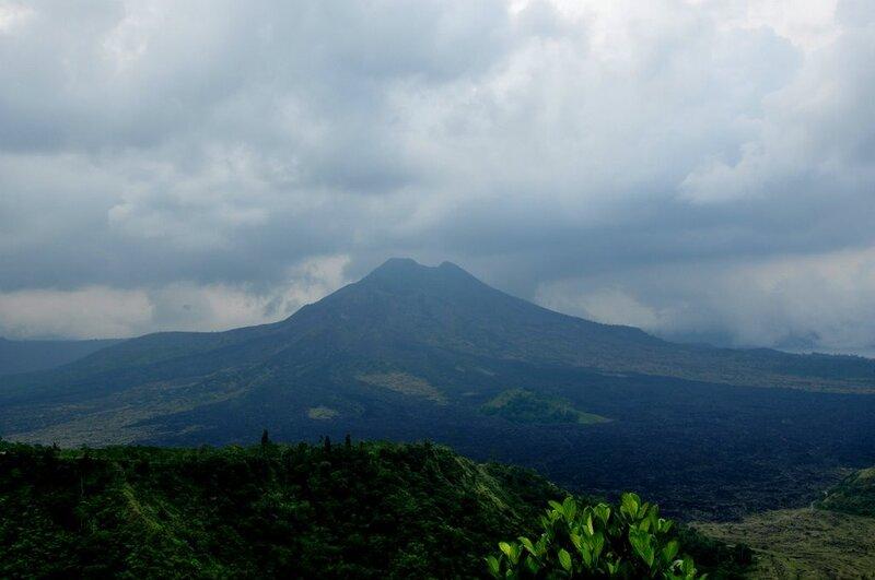 Вулкан Гунуг Батур. Gunung Batur volcano.