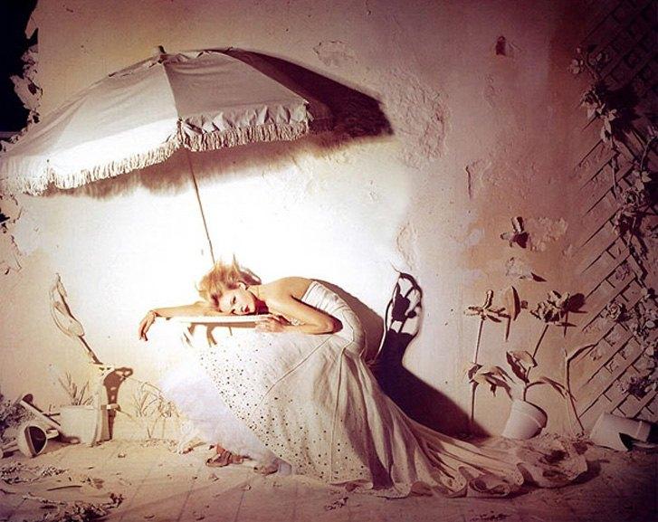 модель Каролин Трентини / Caroline Trentini, фотограф Tim Walker