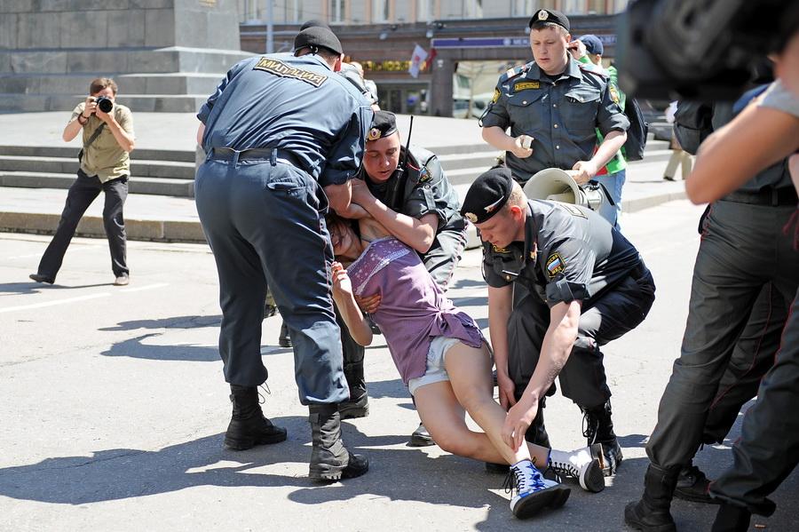 zaderzhannaya-politsiey-porno