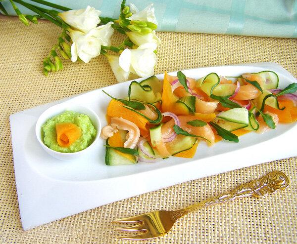 Салат с лососем и тыквой