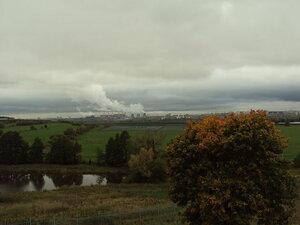 Вид из села Остров на пойму Москвы-реки, город Угрешу и Николо-Угрешский мужской монастырь.