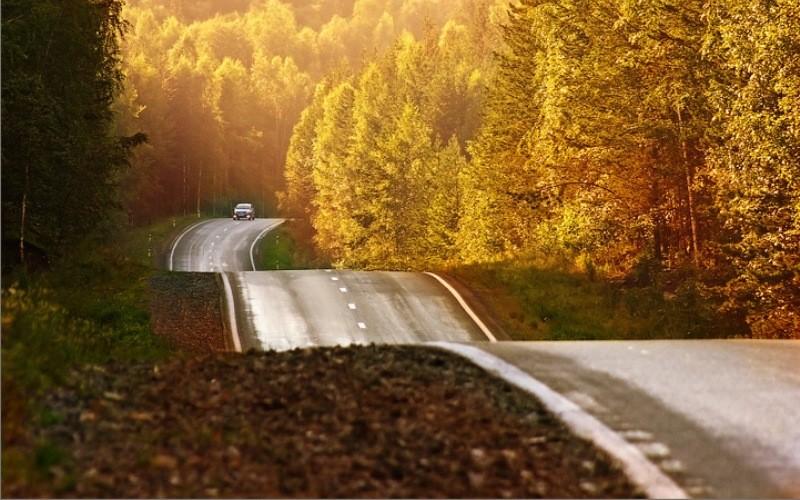 10 самых красивых дорог России (10 фото)