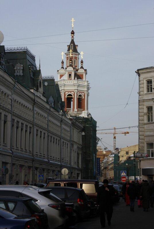 На Никольской улице восстановлена колокольня Заиконоспасского монастыря.