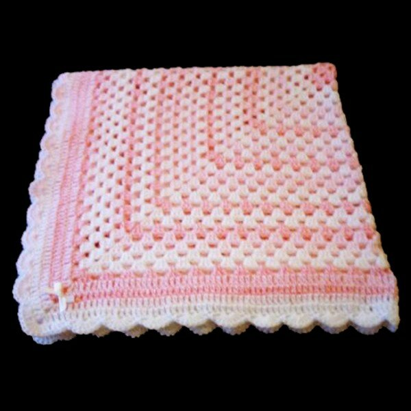 схемы вязания шапочки или схемы вязания узоров.  Схемы вязания крючком детских шапочек также.