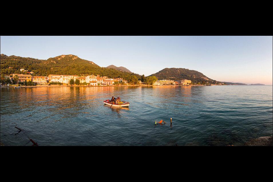 Рыбаки в Беницесе, Корфу, Греция. ФОТО