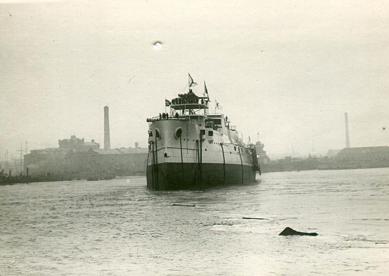 44. Броненосец «Князь Суворов», спущенный на воду