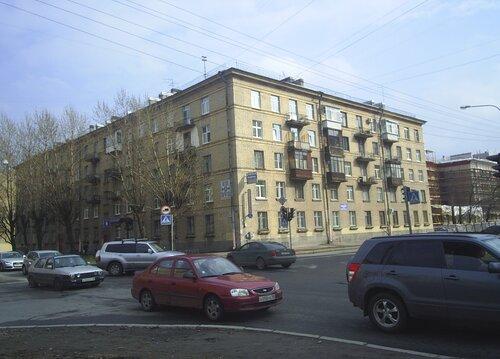Кузнецовская ул. 13/38