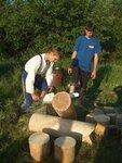 Никита не только соревновался, но еще и пилил дрова