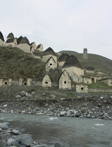 Даргавс и его страж – башня