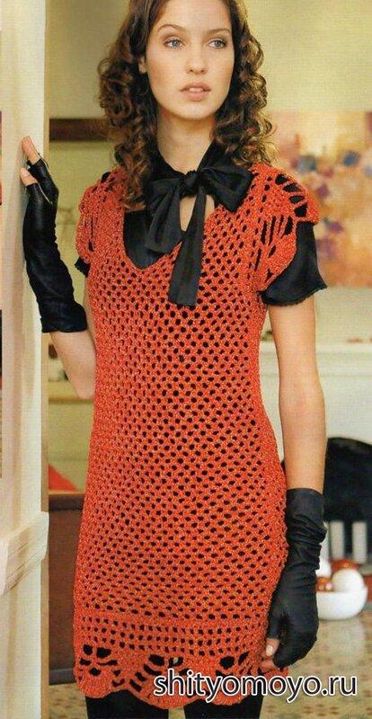 Украшает яркое платье кайма на