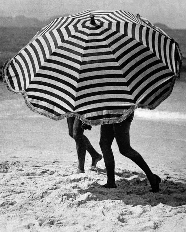 Martin Munkacsi, Greta Garbo on vacation,1932
