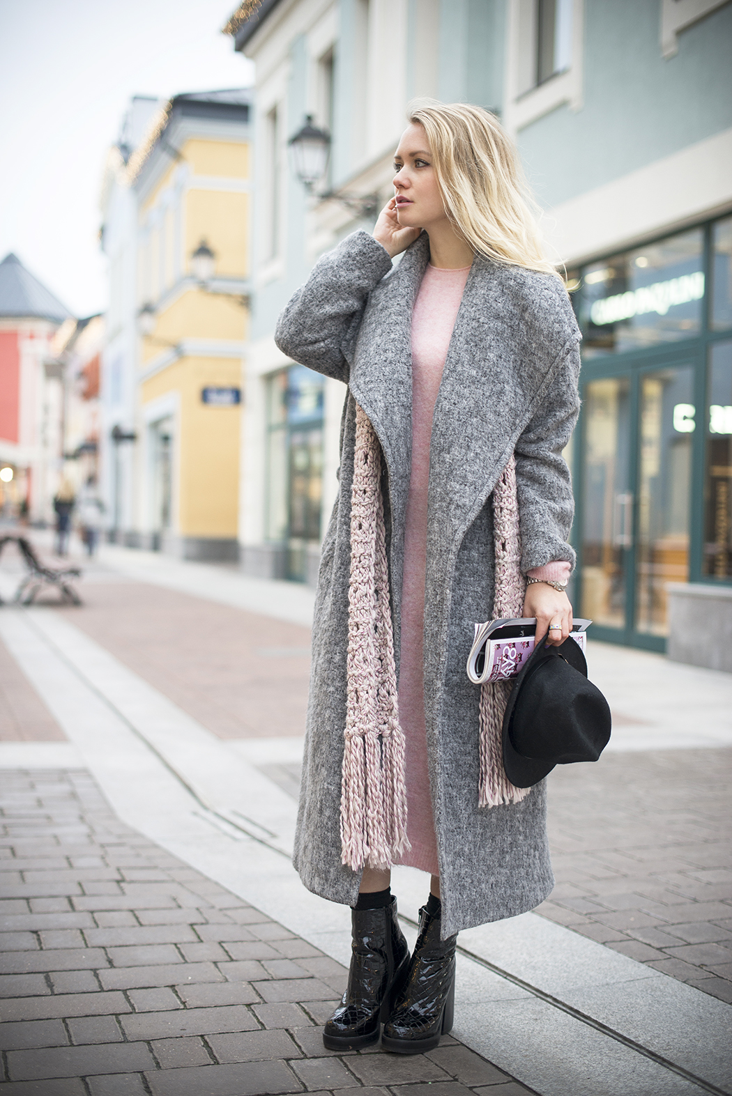 inspiration, streetstyle, autumn outfit, autumn streetstyle, moscow fashion week, annamidday, top fashion blogger, top russian fashion blogger, фэшн блогер, русский блогер, известный блогер, топовый блогер, russian bloger, top russian blogger, streetfashion, russian fashion blogger, blogger, fashion, style, fashionista, модный блогер, российский блогер, ТОП блогер, ootd, lookoftheday, look, популярный блогер, российский модный блогер, annamidday, top russian blogger, russian girl, с чем носить серое пальто,  girly, how to wear hat, grey coat, stefanel, красивая девушка, русская девушка, fashion week