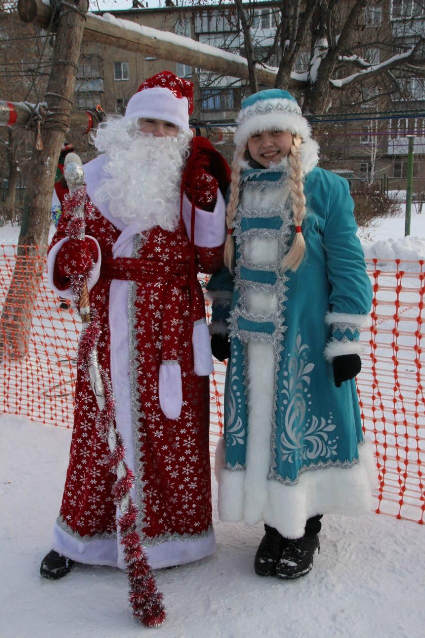 Дед Мороз и Снегурочка поздравили туристов (30.12.2015)