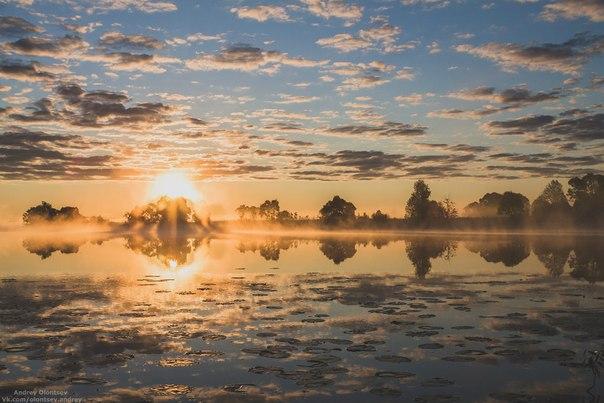 рассвет над водой