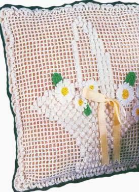 Подушки связанные крючком со схемами