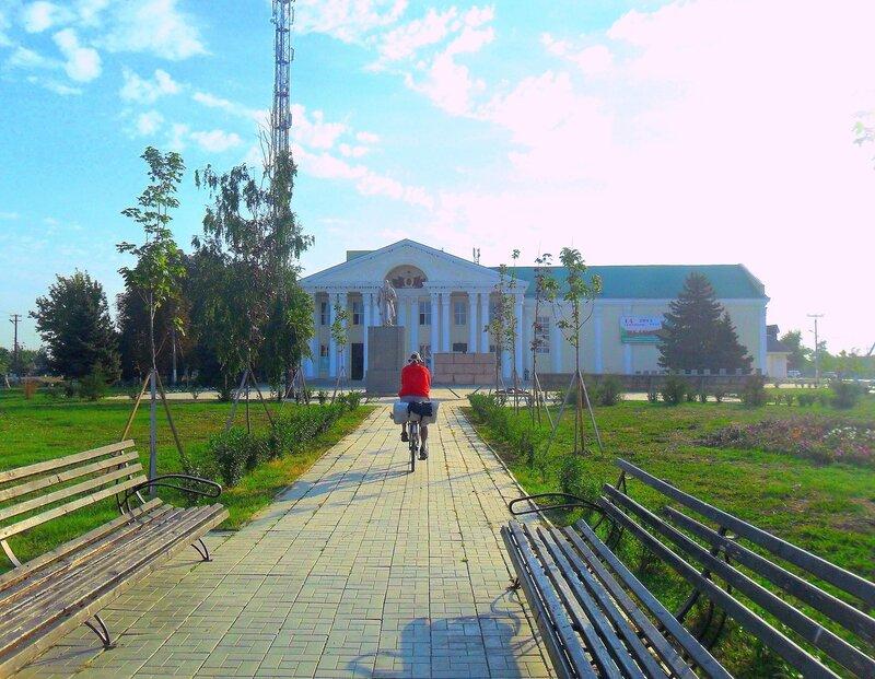 Утром через город, в августе, велопробег, на дорогах Кубани. 2014 год
