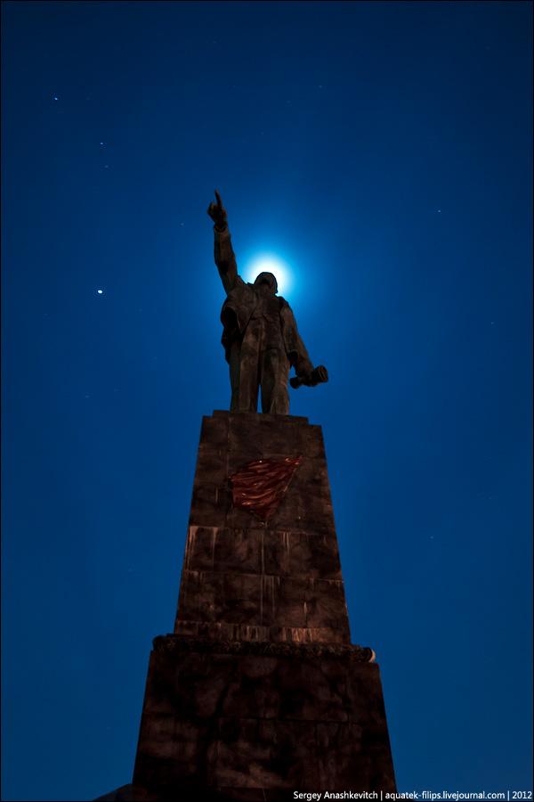 И Ленин отныне святой...